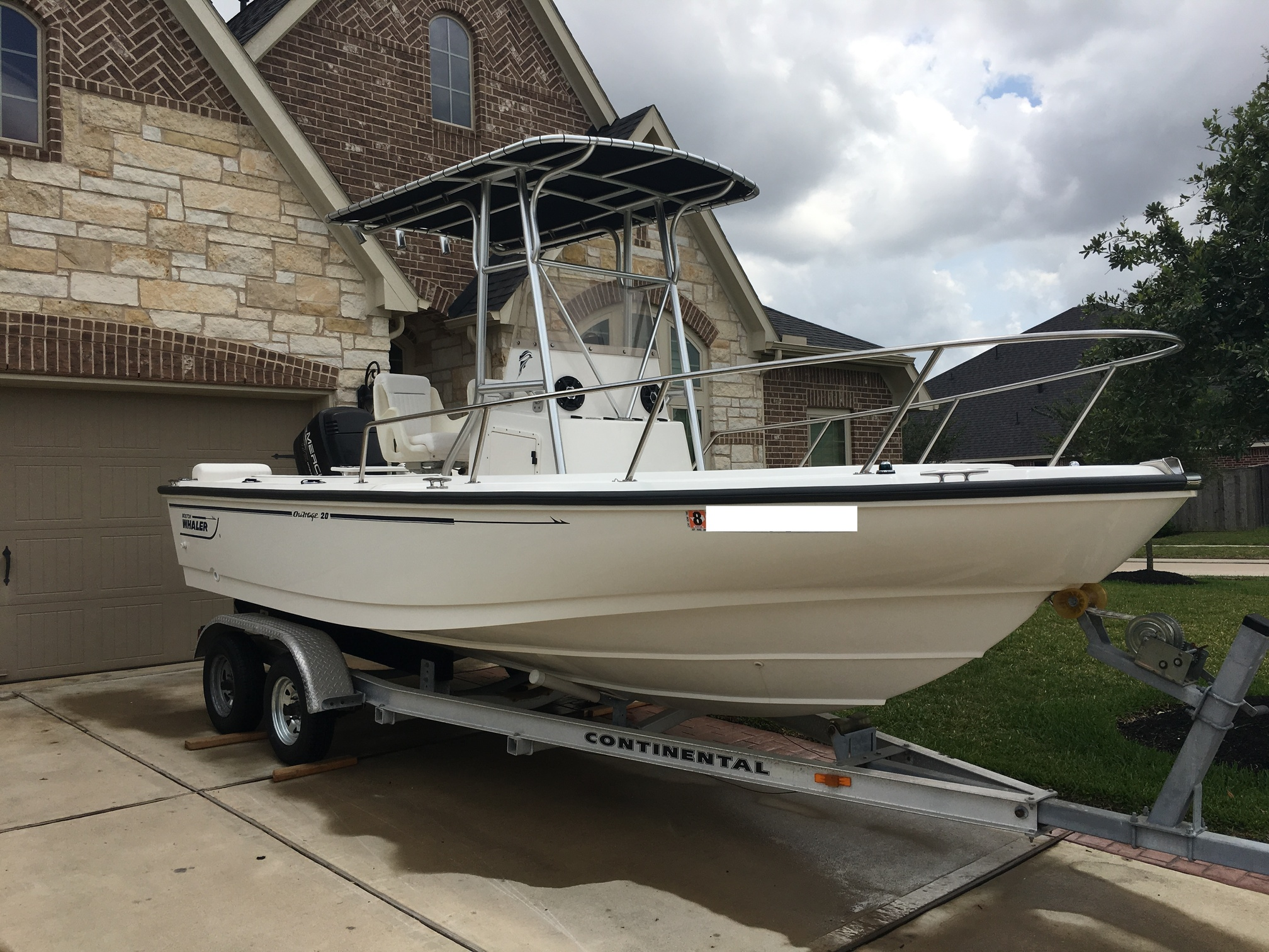 1998 Boston Whaler Outrage 20 FULLY RESTORED - $25,000 - Boats