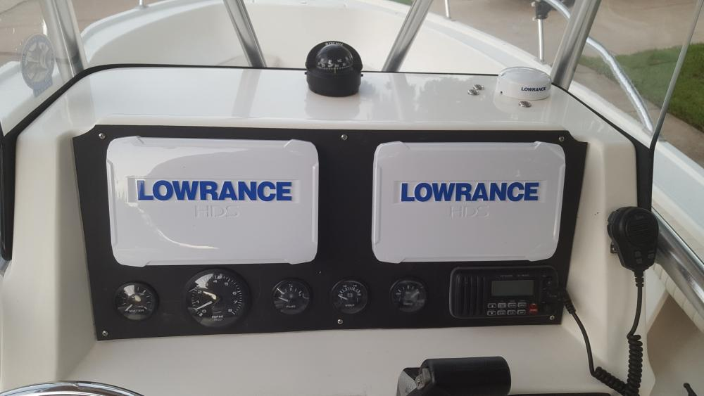 5980bb5ea907e_LowranceHDS-9BoatPackageUp